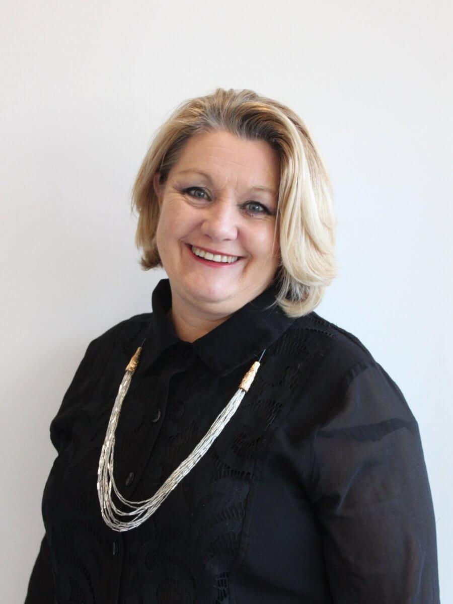 Michelle Executive Senior Stylist